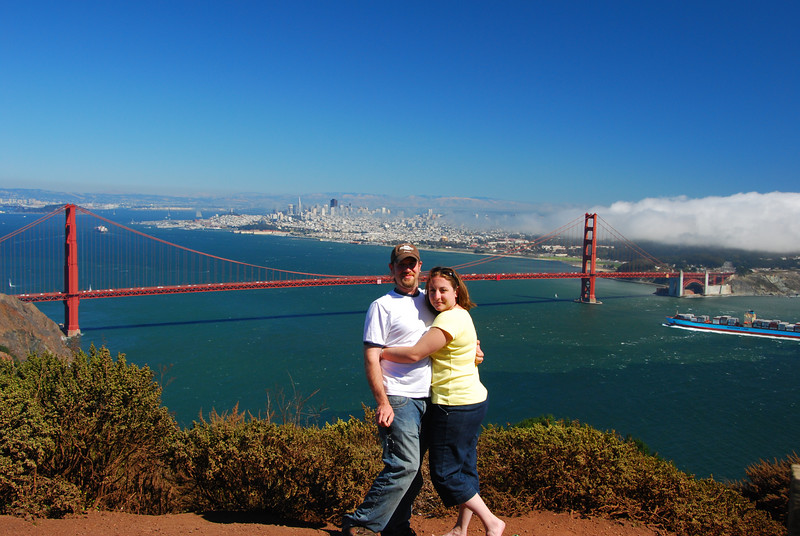 A wider view of John and Megan at the Golden Gate Bridge.