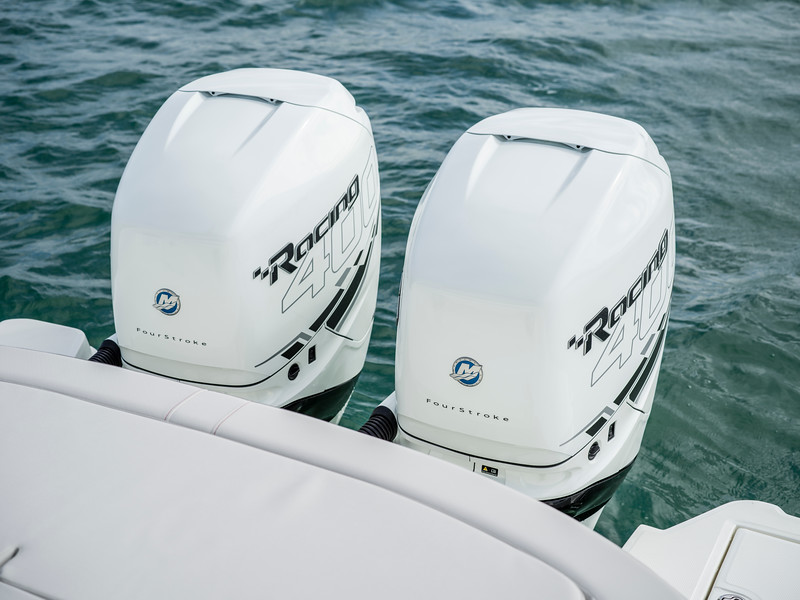 2020-SLX-R-310-outboard-racing-engines-01.jpg