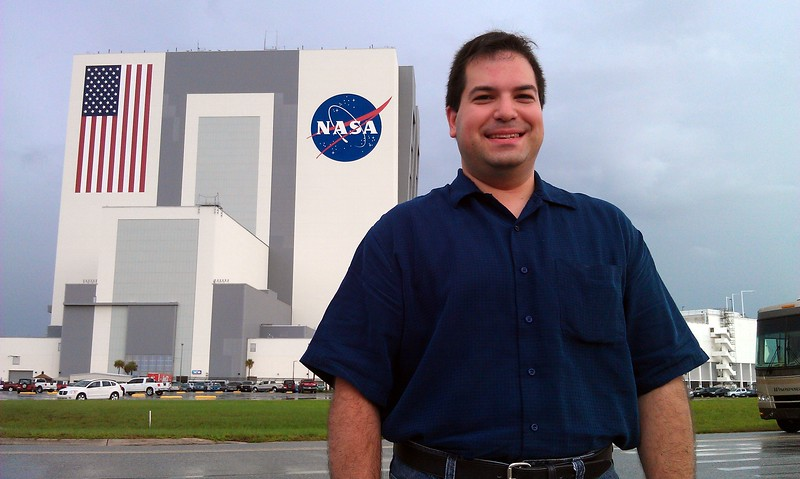 Craig, in front of the Vehicle Assembly Building