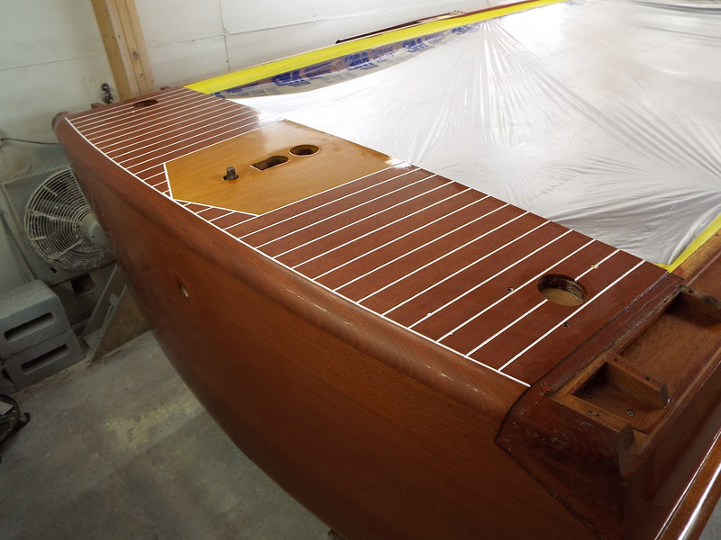 Starboard rear decks seams painted.