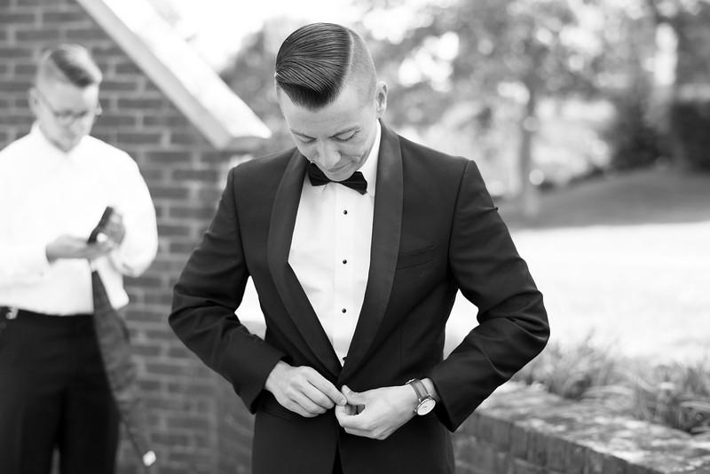 groom-getting-ready (12 of 29).jpg