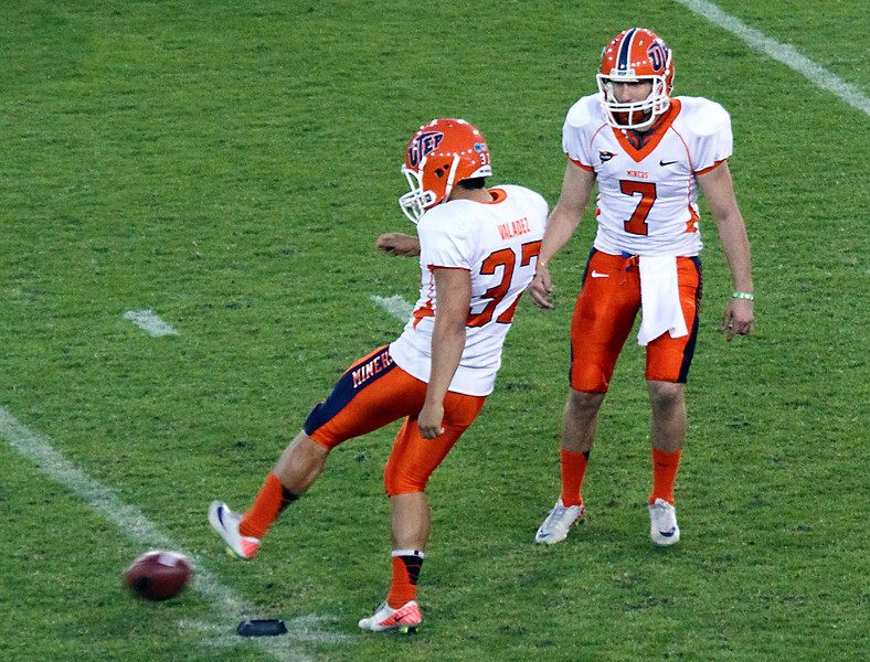 Two UTEP kickers try to confuse UH with their onside kick.  It didn't work.