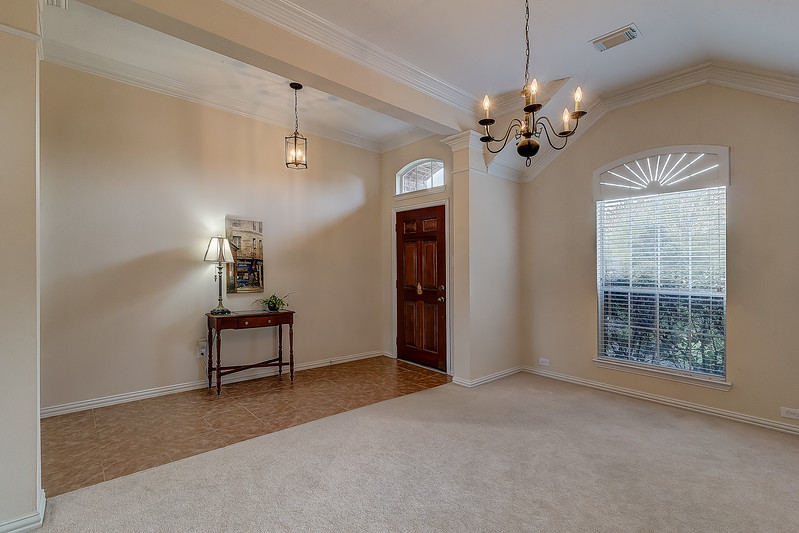 Dining Room & Entry