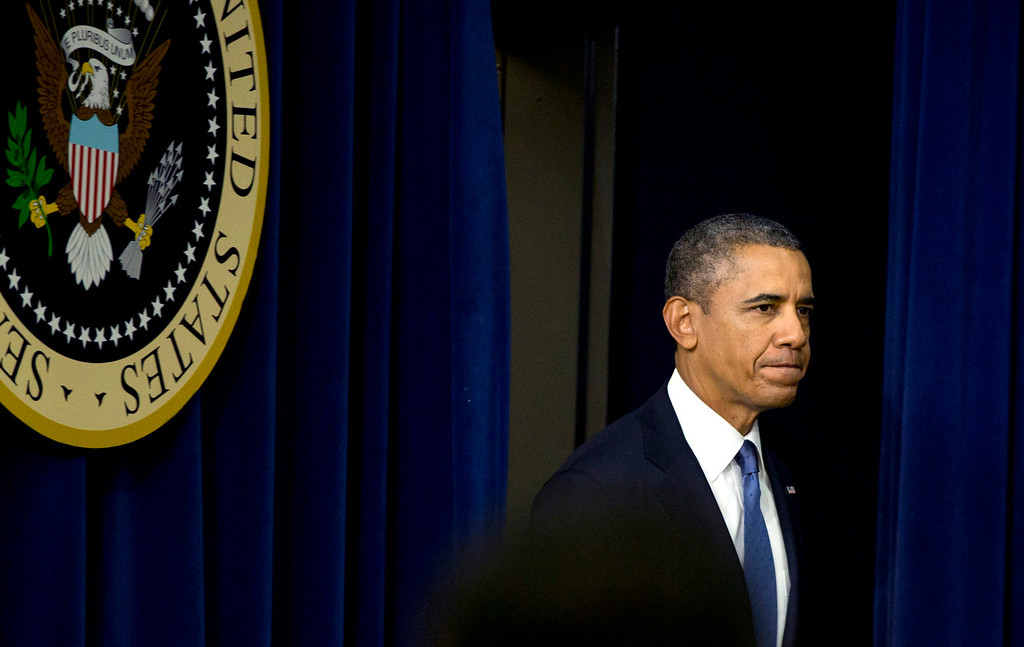 . President Barack Obama arrives to speak in the South Court Auditorium on the White House complex, Monday, Sept. 16, 2013, in Washington. Before speaking about the economy Obama commented on the Navy Yard shooting. (AP Photo/Carolyn Kaster)