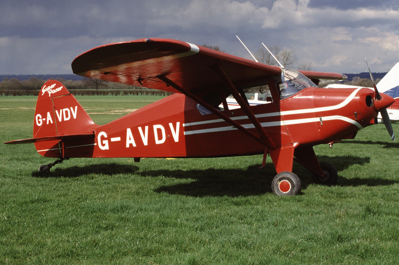 G-AVDV-PiperPA-22-150Tri-Pacer-Private-EGKH-2000-03-26-GY-07-KBVPCollection.jpg
