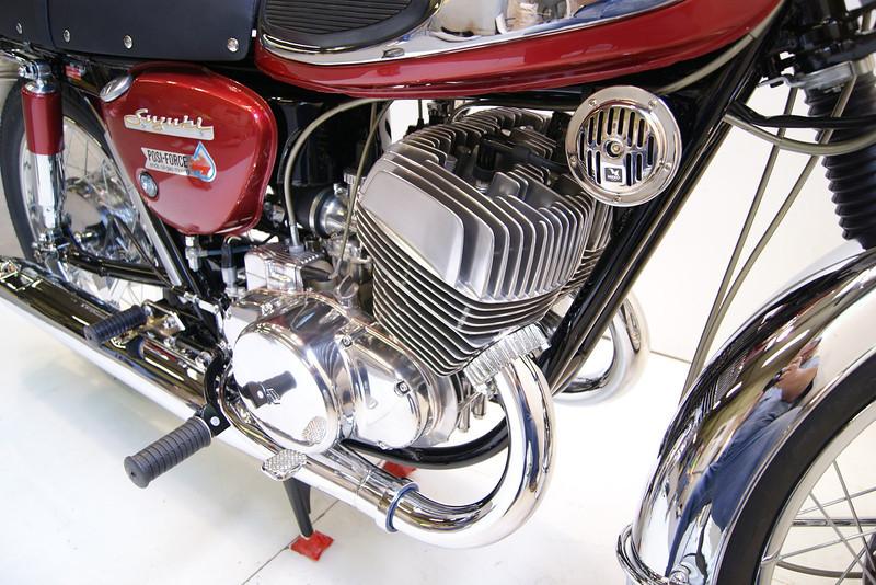 1968T500 4-10 079.JPG