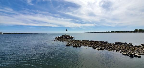 MA, Plymouth - Shoreline