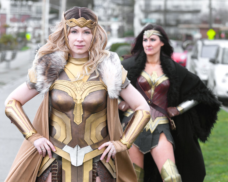 ww-beach-preshot-hippolyta-and-ww.jpg