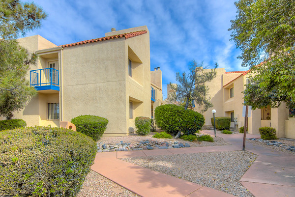 For Sale 1200 E. River Rd., #G90 Tucson, AZ 85718