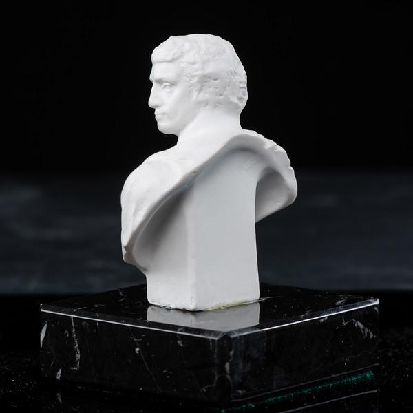 Statue-4-496.jpg