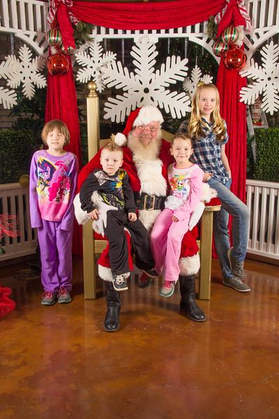 Santa 12-16-17-239.jpg