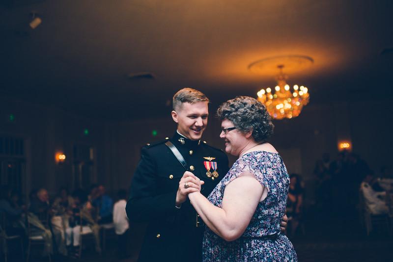 Philadelphia Wedding Photographer - Bernreuther-652.jpg