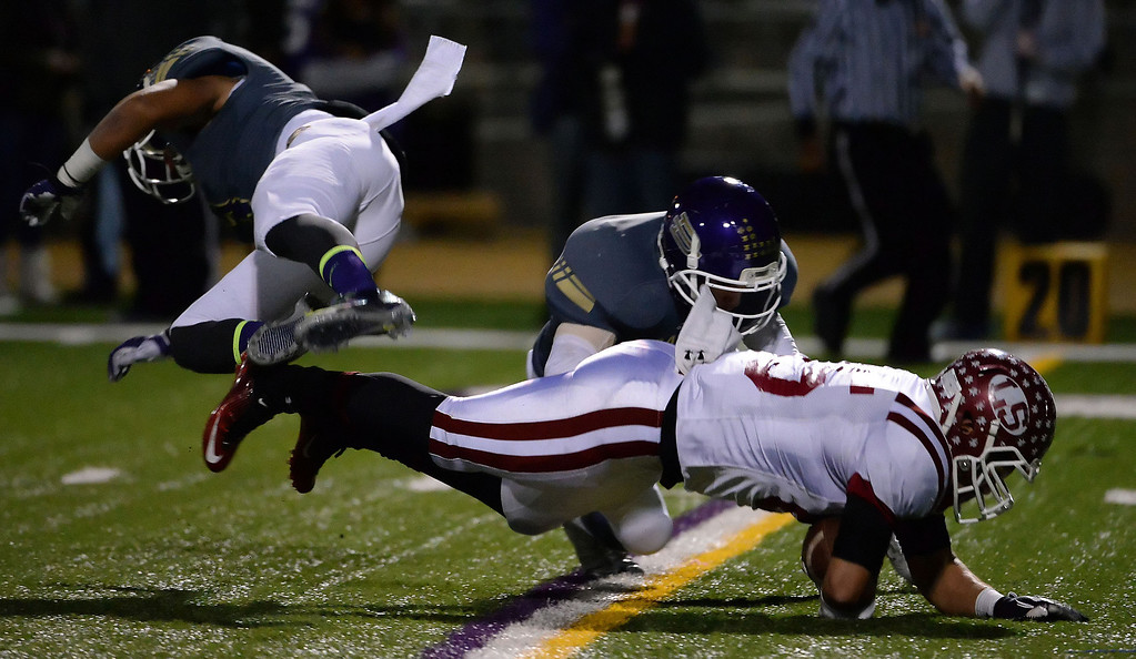 . La Serna\'s Luis Camacho (85) dives for a first down against Diamond Bar in the first half of a CIF-SS playoff football game at Diamond Bar High School in Diamond Bar, Calif., on Friday, Nov. 22, 2013.   (Keith Birmingham Pasadena Star-News)