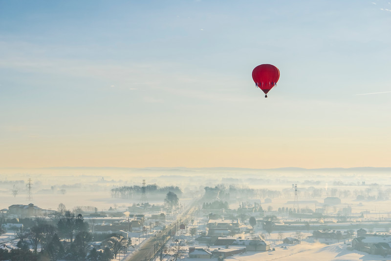 hot air balloon tour - red balloon high solo(p).jpg