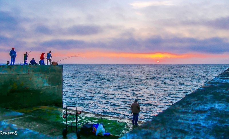 Group of Fisherman  Porto.jpg