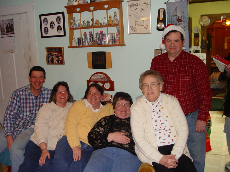 John, Lorraine, Janine, Diane, Norma & Dale (xmas 2005).JPG