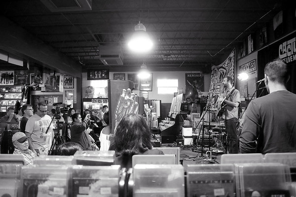 20170916 Andrew Karnavas Live at Cactus Music EP Recording