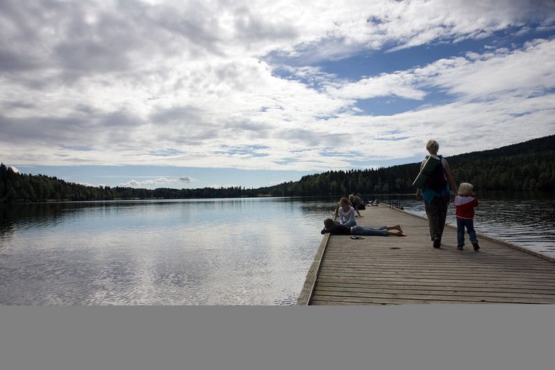 Sognsvann lake is located in the very city of Oslo. You can get there by the subway.