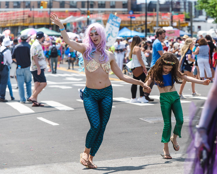 2019-06-22_Mermaid_Parade_1916.jpg