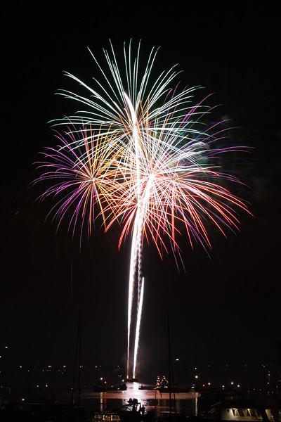 Vuurwerk tijdens de feestweek van Oude Wetering.