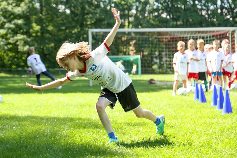 hsv_fussballschule-400_48048025902_o.jpg