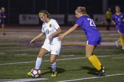 Amherst stays unbeaten in SWC with 1-0 win over Avon