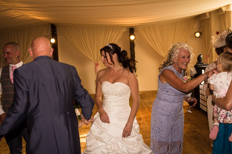 bensavellphotography_wedding_photos_scully_three_lakes (301 of 354).jpg