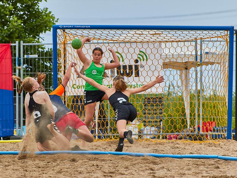 Molecaten NK Beach Handball 2017 dag 1 img 404.jpg