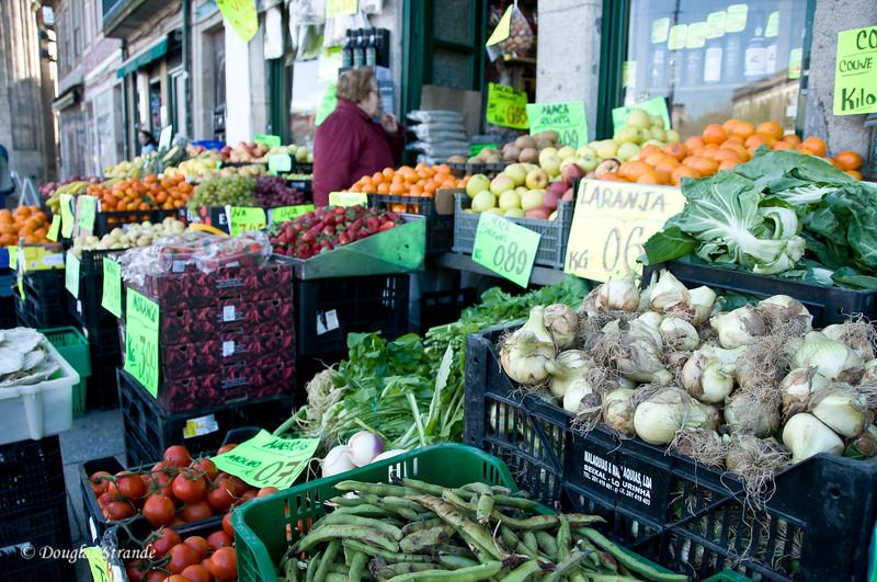 Sat 3/19 in Porto: Casa Oriental, veggies outside