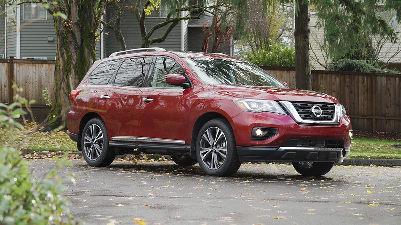 2018 Nissan Pathfinder Platinum AWD Parked Reel