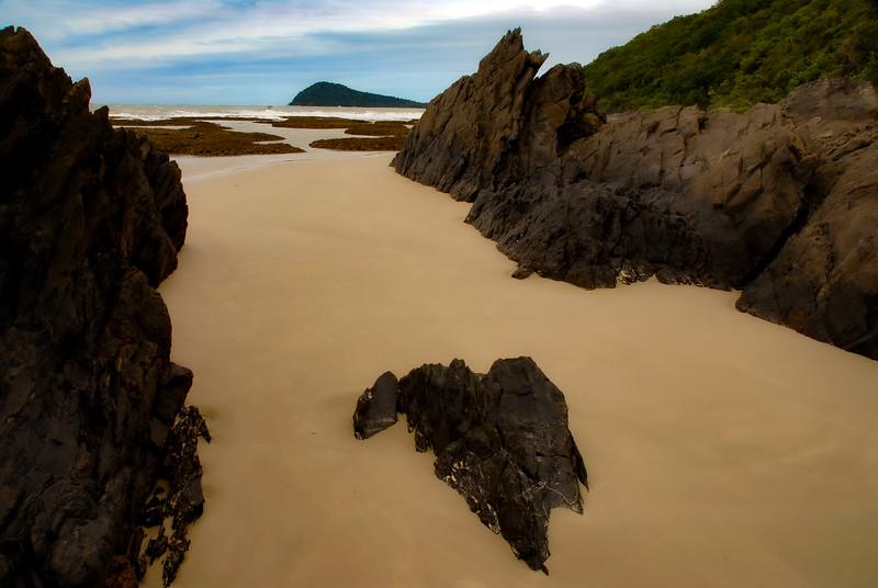 DSC_9699 Beach View Rocks PS- LL Homage tnef sky isle drknd +++++.jpg