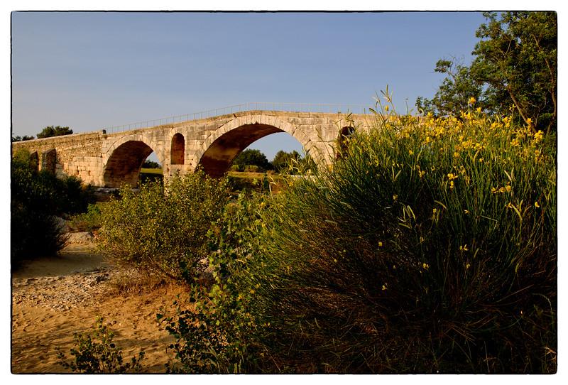 pont julien 2.jpg