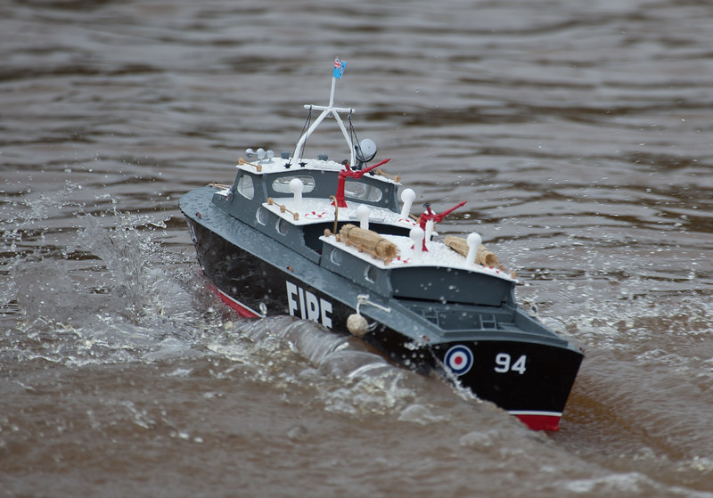 94, Launch, RAF Crash Tender, SRCMBC, Solent Radio Control Model Boat Club, Steve French