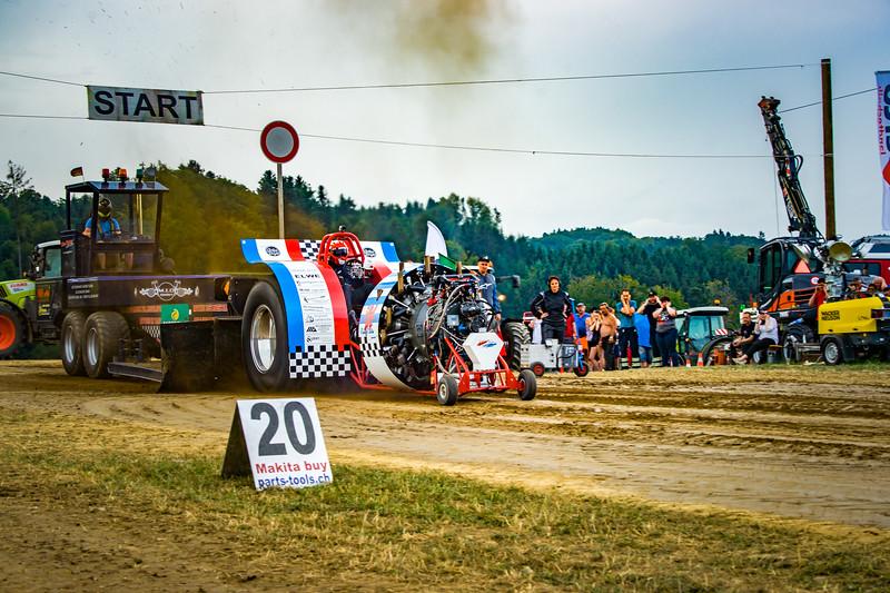 Tractor Pulling 2015-02413.jpg