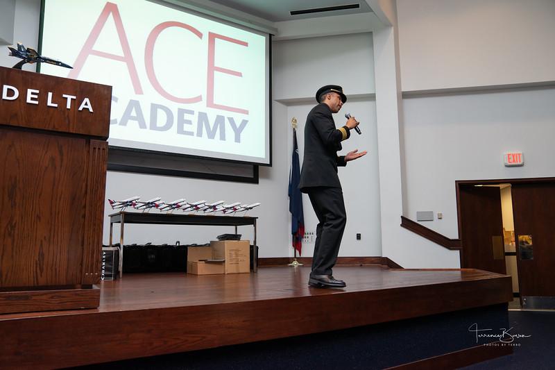 ACE_Graduation2018_sig-5.jpg