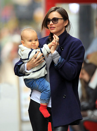2011-11-13 - Miranda Kerr and baby Flynn