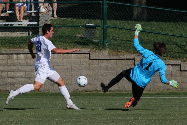 150916 Varsity Soccer v DeSmet