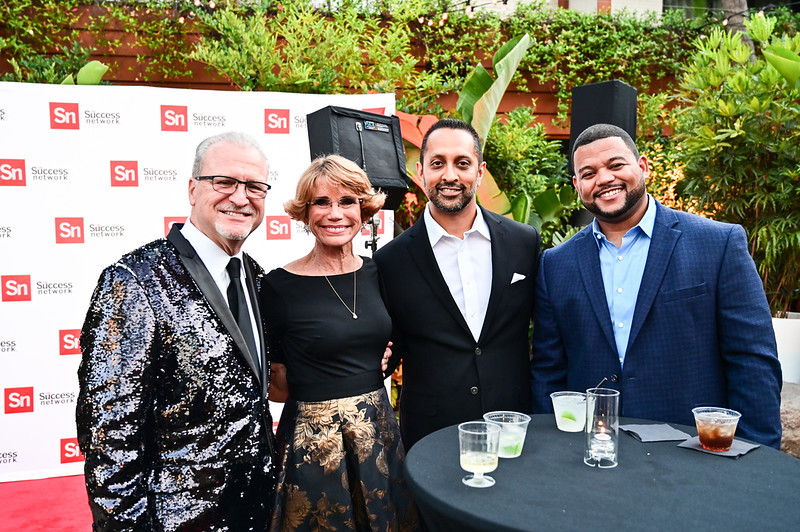 2019TLS_Cocktail_Party_043.JPG