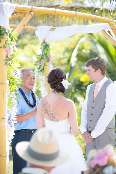 gillin beach kauai wedding-74.jpg