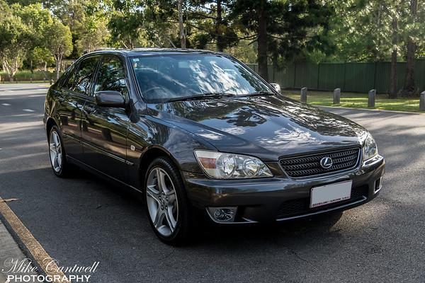 2003 IS200