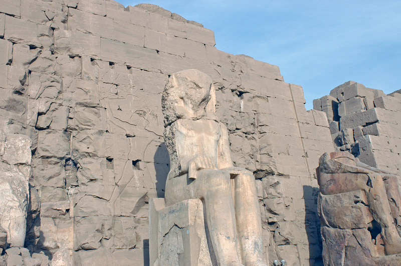 Karnak Temple 01.08.06 0019.jpg