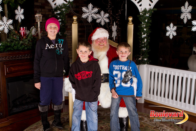 Santa Dec 15-273.jpg