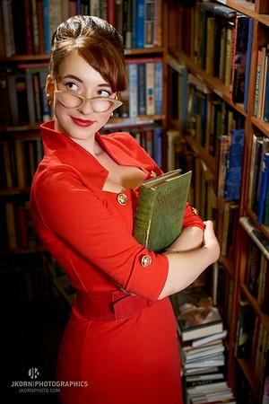 Elise - Bookstore