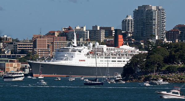 QE2 and QV