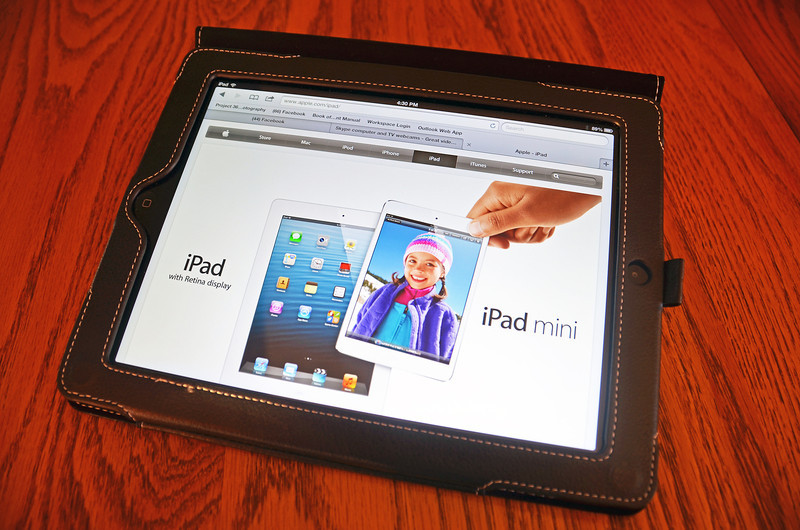 2012-11-2 ––– It wasn't intended as a birthday gift, but Fishbowl gave me new iPad as a thanks for the work I do. It just happen to arrive on my birthday. It is the new 4th generation with the Retina display. So far I really love it.