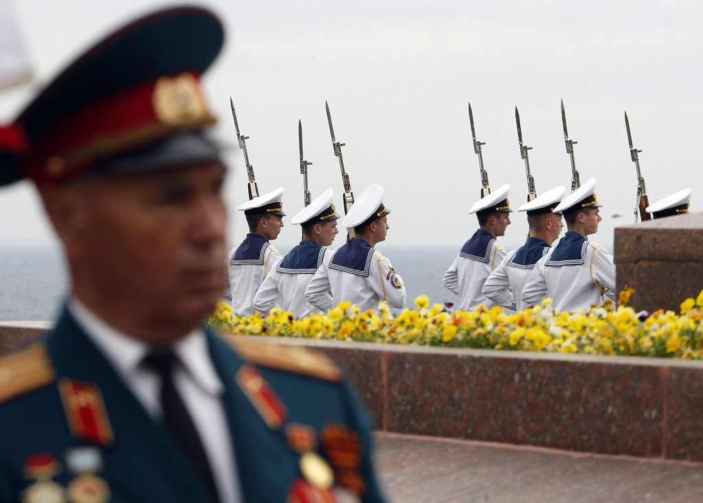 . Sailors take part in a Victory Day ceremony at the Unknown Sailor Memorial in the southern Ukrainian city of Odessa on May 9, 2014.  AFP PHOTO/ ANATOLII STEPANOV/AFP/Getty Images