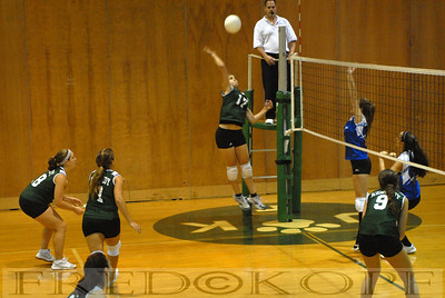 Kennedy High School vs Roslyn High School Girls Volleyball 10-3-08