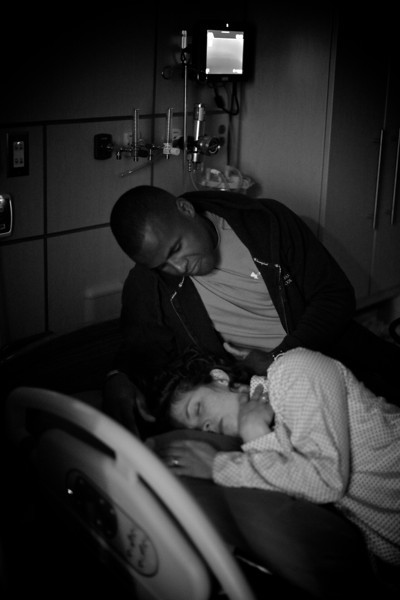0043-A pause between contractions.-birth.jpg