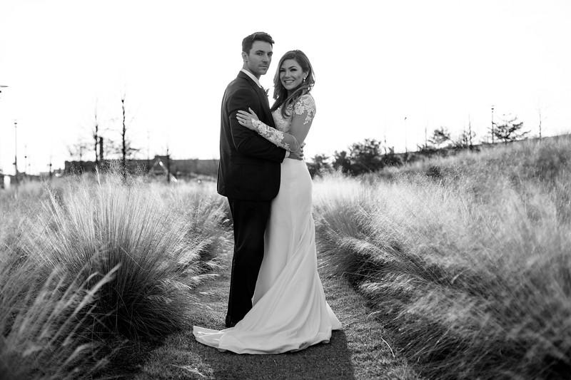 Kate&Josh_B&W_ZACH.WATHEN.PHOTOGRAPHER-447.jpg