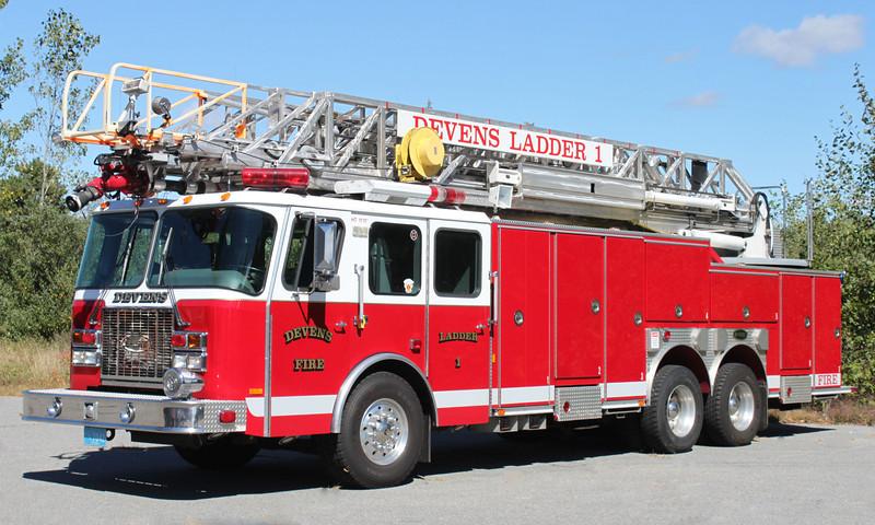Ladder 1 2000 E-One 100' RM
